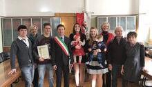 Challand-Saint-Victor consegna Puette e costituzione ai neo 18enni