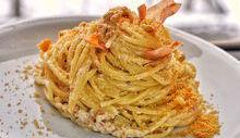 Spaghetti con salsa di noci e speck