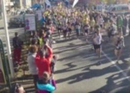 La partenza della prima edizione della Mezza maratona di Aosta