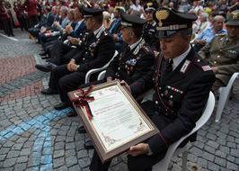 Verrès conferisce la cittadinanza onoraria ai Carabinieri