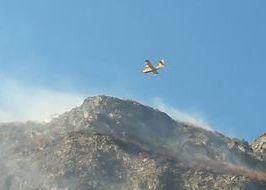 Canadair sull'incendio di Saint-Denis foto di Patrick Montanari