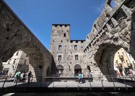 Aosta, Porta Praetoria, centro storico