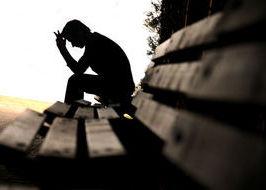 solitudine, uomo solo, depressione, ansia, sagoma