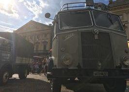 Camion d'epoca - piazza Chanoux