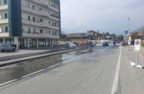 Acquedotto in perdita in Corso Lancieri