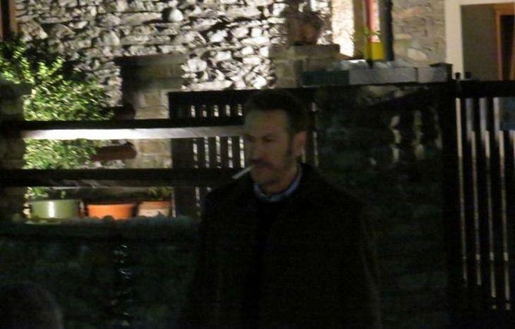 Marco Giallini sul set, in una pausa delle riprese.