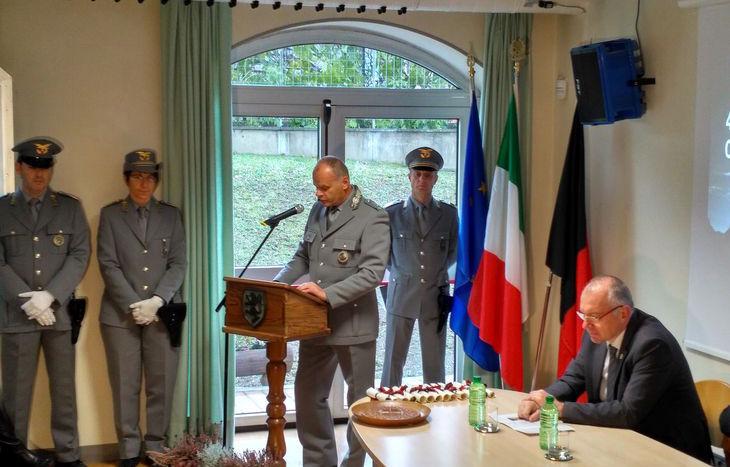 Il comandante Vertui interviene alla cerimonia.