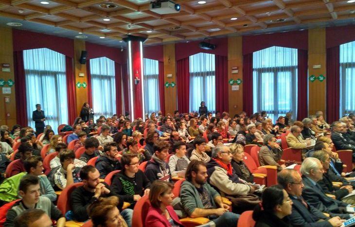 Numerosi studenti hanno assistito al convegno.