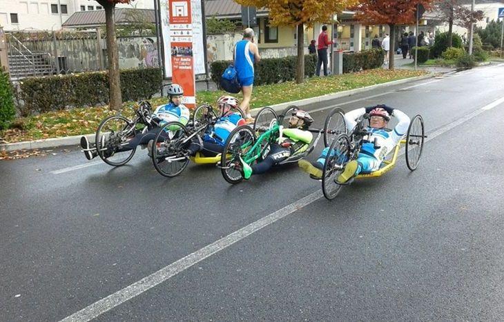 Orazio Fagone e le altre handbike alla MezzAosta