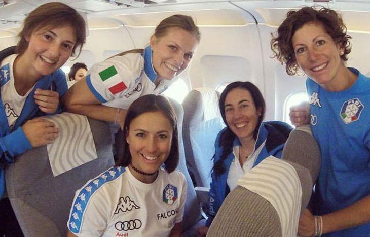 Martina Perruchon (a sinistra) insieme alle compagne di team