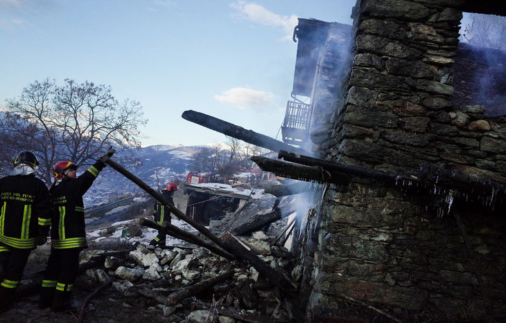 Incendio  abitazione e fienile quart porsan