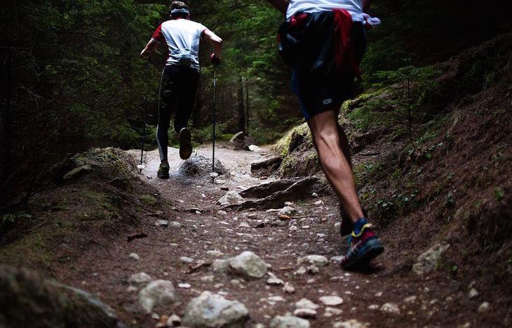 trail, scarpe, corsa in montagna