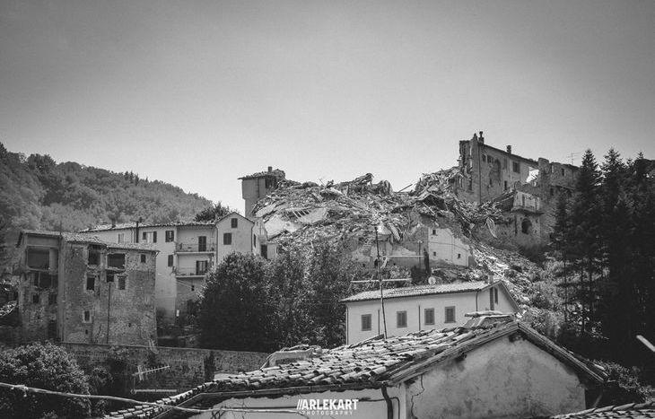 Un anno dopo il terremoto in Centro Italia nelle foto di Montefusco e Monticone