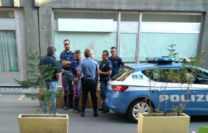 Polizia e Carabinieri intervengono in via Losanna.