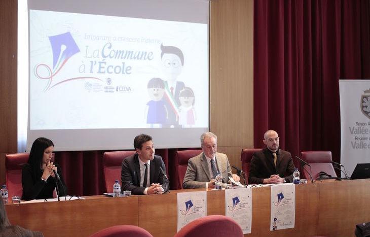 Presentazione La Commune à l'Ecole