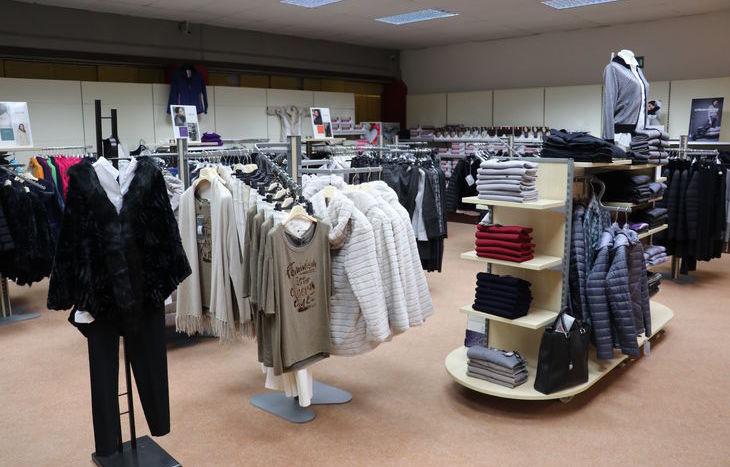 Il reparto di abbigliamento femminile - Bruno Tex 2