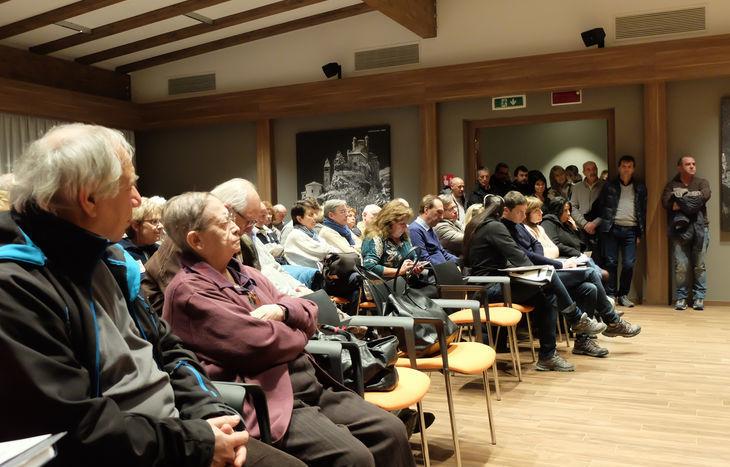 Il pubblico delle associazioni presenti all'incontro con Luigi Bobba