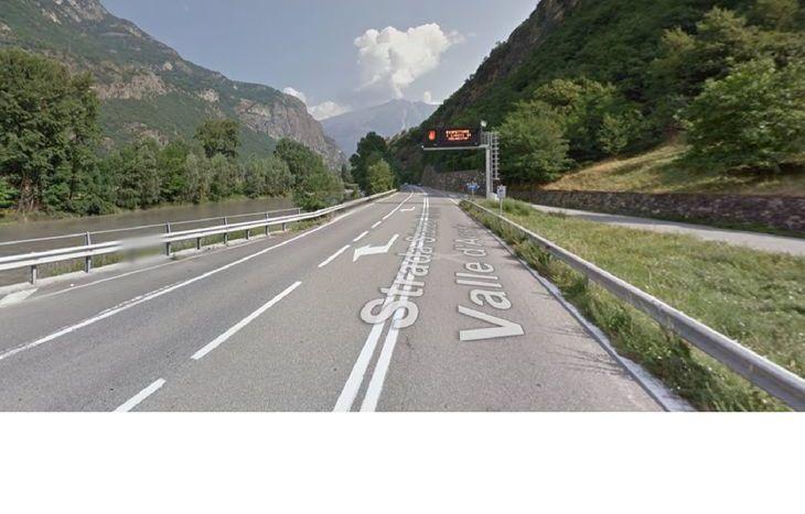 La statale 26 a Plout di Montjovet (da Google Maps).