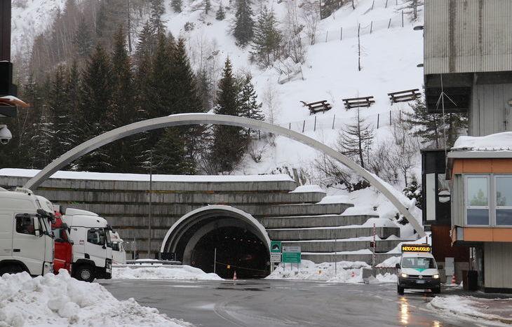 L'ingresso italiano del Tunnel.