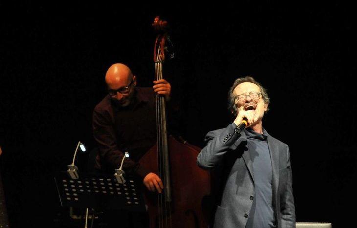 """Rocco Papaleo in """"Forse non sarà domani… vita e canzoni di Luigi Tenco"""""""