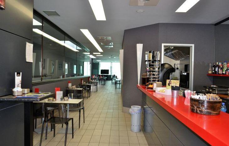 Caffeina drink & food bar