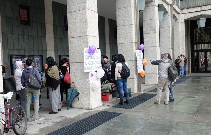Le insegnanti diplomate magistrali in protesta sotto la Regione