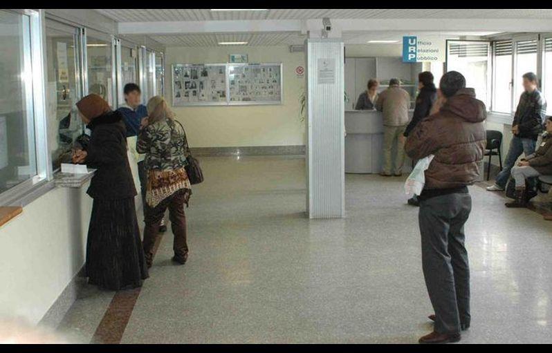 Gli stranieri in attesa del permesso di soggiorno potranno for Questura di mantova permesso di soggiorno pronto
