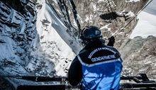 Un soccorritore del Pghm in elicottero (foto FB - Pghm Chamonix).