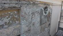 intonaci dipinti risalenti al Quattrocento sulla facciata del palazzo vescovile di Aosta