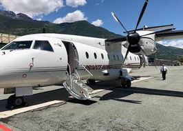 Il Dornier 328-110 all'aeroporto