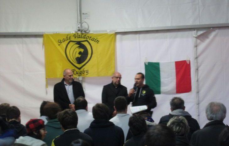 Francesco Fida con il sindaco di Sarre, Massimo Pepellin, ed il suo vice, Roberto Cuneaz