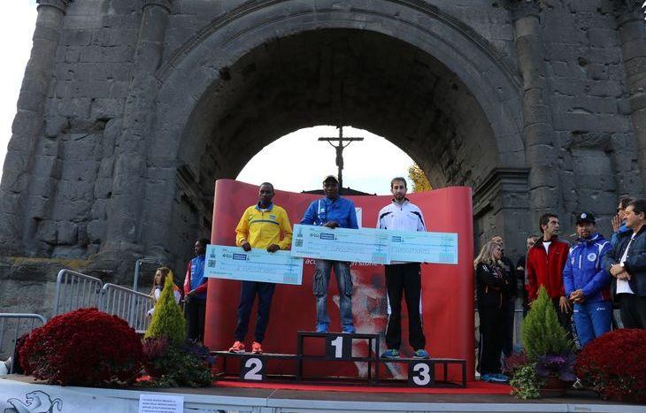 Il podio della 10 km maschile