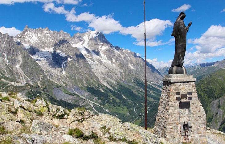 La statua della Madonna sulla cima del Mont Chétif - Foto captblack76
