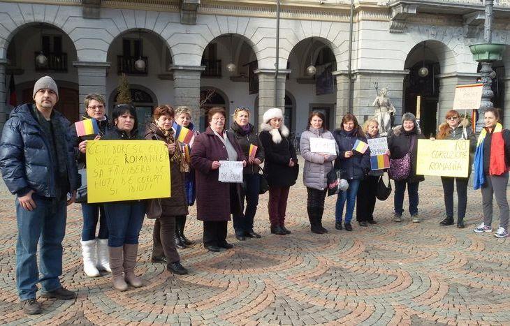 manifestazione, anticorruzione, comunità rumena