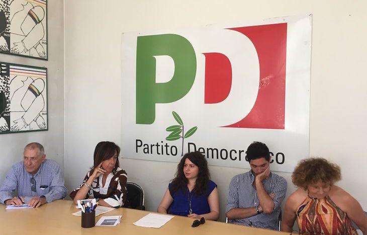 Nella foto da sx Giovanni Sandri, Anita Monbello, Sara Timpano, Matteo Pellicciotta e Antonella Barillà