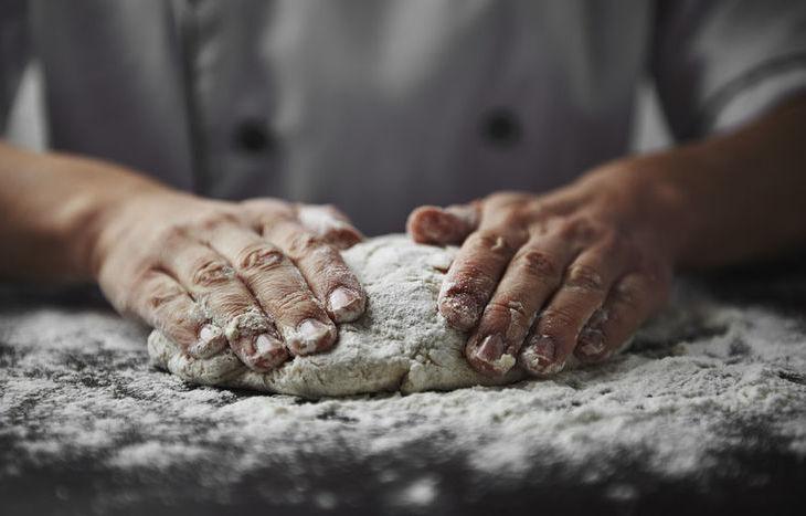 mani che impastano, fornaio, lavoro, panettiere