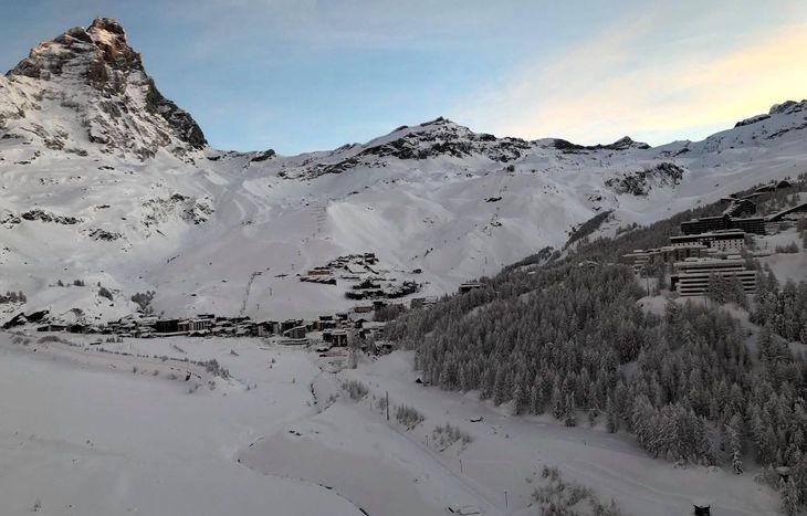 Un'immagine di Cervinia scattata stamane dall'elicottero