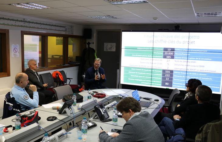 L'incontro sui lavori in programma all'interno del tunnel.