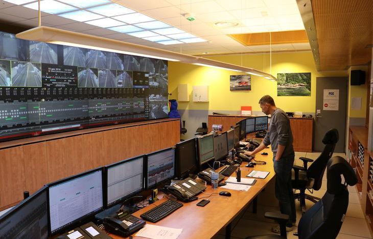 La sala controllo del tunnel, lato francese.