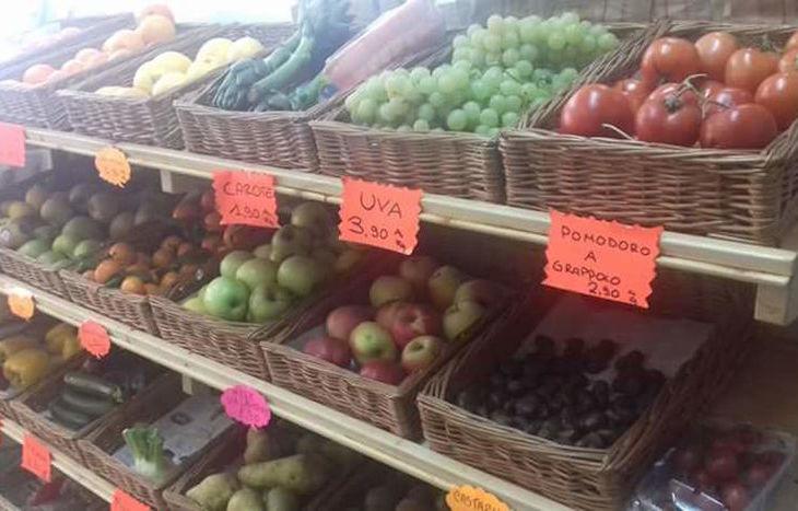 Alimentari Petrassi - Viale Ginevra, Aosta.