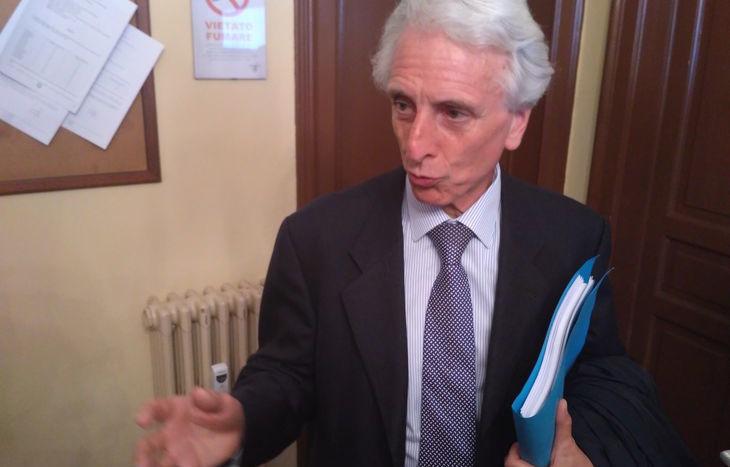L'avvocato Carlo Emanuele Gallo parla per tutti i difensori.